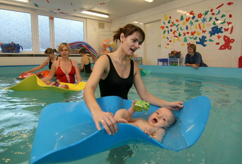 Plavání od šesti měsíců - Klub ABECEDA 1169ce0b2f